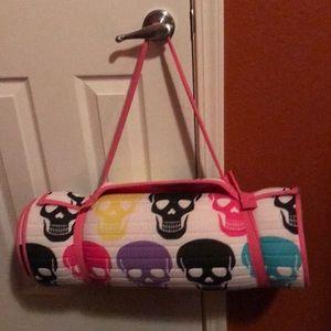 Betsy Johnson Skull print sleeping bag
